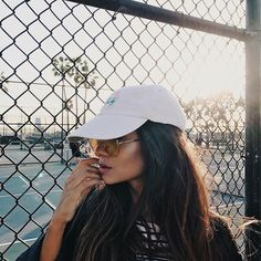 Watch live girls free on FreeBestCams . Profile Pictures Instagram, Instagram Pose, Disney Instagram, Instagram Ideas, Tumblr Photography, Girl Photography Poses, Foto Casual, Insta Photo Ideas, Foto Pose