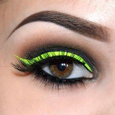 eyeliner neon eye makeup \ eyeliner neon ` eyeliner neon make up ` eyeliner neon eye makeup No Eyeliner Makeup, Winged Eyeliner, Makeup Inspo, Makeup Art, Makeup Inspiration, Beauty Makeup, Makeup Meme, Makeup Drawing, Makeup Ideas