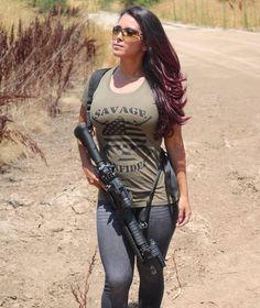 Military girl - Beautiful Girls & Guns - Hot women with guns Military Girl, Female Soldier, Army Soldier, Military Women, N Girls, Army Girls, Badass Women, Daisy Dukes, Pinup