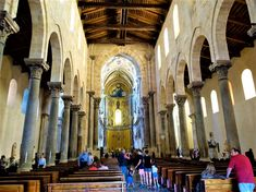 Vakre Sicilia – Roadtrip i 8 dager! I 8, Catania, Christmas Lights, Road Trip, Painting, Christmas Fairy Lights, Road Trips, Painting Art, Paintings