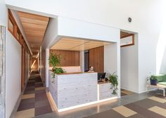 Parkside Clinic by Wright Architecture Clinic Interior Design, Interior Design Portfolios, Lobby Interior, Clinic Design, Interior Design Magazine, Interior Architecture, Interior Ideas, Dental Office Decor, Medical Office Design