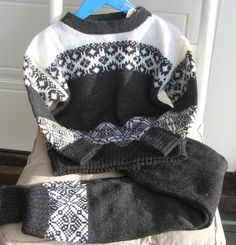 Sett genser og ullbukse, str 3 år! Hoodies, Sweatshirts, Sweaters, Google, Fashion, Tractor, Moda, Fashion Styles, Parka