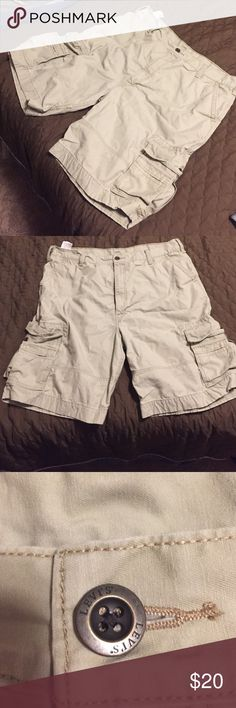 Men's Levi's cargo shorts The comfiest cargo shorts ever made! Levi brand size 42. Worn once, washed once. Fast shipping! Levi's Shorts Cargo