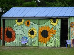 Garden Shed Would look cool on my chicken house.  With Christmas Lights!!!! ;-)