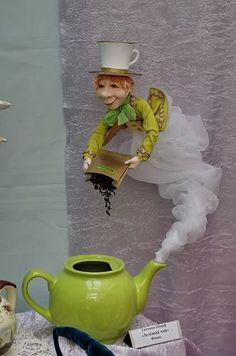 Pigottina fornarina solo busto come angelo.My owl barn beautiful paper mache dioramas – Artofit--Turn into JeanieWould be cool if it was the genie Tea Cup Art, Tea Cups, Floating Tea Cup, Teacup Crafts, Diy And Crafts, Arts And Crafts, Mad Hatter Tea, Fairy Houses, Alice In Wonderland
