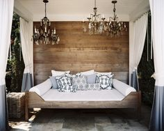 Pool House design ideas and photos to inspire your next home decor project or remodel. Check out Pool House photo galleries full of ideas for your home, apartment or office. Outdoor Daybed, Outdoor Lounge, Outdoor Rooms, Outdoor Living, Pool Lounge, Outdoor Curtains, Queen Daybed, Estilo Interior, Bed Photos