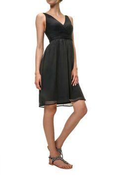 Damen Kleid von Vero Moda Dieser Styleist leicht und feminin undüberzeugt durch eine Wickeloptik am Oberteil und eine bequeme dehnbarer Shopping, Black, Dresses, Fashion, Tops, Summer Recipes, Curve Dresses, Women's, Vestidos