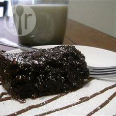 """Amazing Slow Cooker Chocolate Cake By: blancdeblanc """"This incredibly moist chocolate cake is simply delicious. Serve warm, topped with vanilla ice cream. Slow Cooker Desserts, Crock Pot Desserts, Just Desserts, Slow Cooker Recipes, Cooking Recipes, Meal Recipes, Cooking Ideas, Cooking Time, Yummy Recipes"""