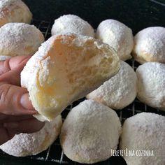 Aprenda a fazer um delicioso pãozinho caseiro, pão de leite ninho, pão de leite em pó. Receita de pão bem macio, levemente adocicado. Sweet Desserts, Empanadas, Four, Health Tips, Lunch Box, Food And Drink, Dairy, Pizza, Bread