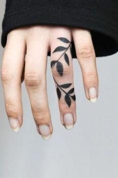 Purple Flower Tattoos, Flower Finger Tattoos, Flower Tattoo On Ribs, Finger Tattoos For Couples, Rose Tattoo On Arm, Finger Tattoo For Women, Beautiful Flower Tattoos, Hand Tattoos For Women, Flower Tattoo Shoulder