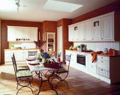 """#Holz lebt und """"atmet"""" und sorgt für gesundes #Raumklima.  Die #Vollholzküche ist ein gesunder Lebensraum voll Wärme und Behaglichkeit. Natürliche #Möbel schaffen Atmosphäre und tragen aktiv zum Wohlbefinden bei."""