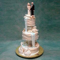 waterfall looks amazing $1,016.00 Waterfall Cake, Camp Wedding, Tiered Cakes, Cake Pops, Robin, Wedding Cakes, Hiking, Mountain, Weddings