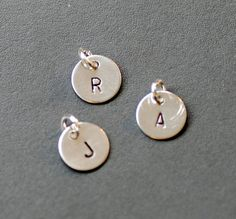 Personalized Jewelry Sterling Silver Charm par WildWomanJewelry