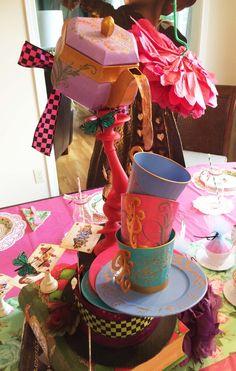 Artfully Musing: Alice in Wonderland Birthday Party Centerpiece