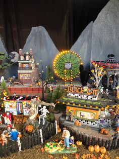 Tanu's Lemax & D56 Halloween Village - Oct 2012 - Carnival side detail Halloween Village Display, Holidays Halloween, Spooky Halloween, Department 56 Displays, Haunted Dollhouse, Halloween Miniatures, Christmas Villages, Hallows Eve, Holidays And Events