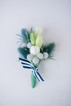 nice non-gay boutonnière option (but like really)