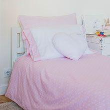 Baby girl bedroom www.themommycompany.com #babydecor #decor #themommycompany #shoppingonline #nursery #blankets #knobs #bibs #pacifierholders #baby #decoinspiration #justformommy #mommyknowsbest #onlythebestformybaby