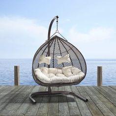 In diesem Hänge-Sessel machen wir es uns richtig bequem. Mit dem ...
