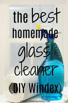 The best homemade glass cleaner. This DIY Windex window cleaner recipe will leave your windows smear and streak free! Diy Window Cleaner, Window Cleaner Recipes, Homemade Glass Cleaner, Cleaners Homemade, Diy Cleaners, Window Cleaner Streak Free, Homemade Cleaner Recipes, Vinegar Window Cleaner, Best Glass Cleaner