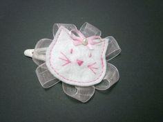 Barrette enfant le chat blanc rose pince cheveux clic-clac accessoire cheveux fille création originale fait-main de la boutique Maluciole sur Etsy