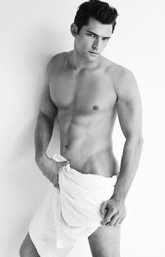 Sean-OPry-Mario-Testino-Towel-Series