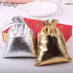 Wedding Favors Metallic Foil Cloth Pouches Wedding Gifts Craft Candy Packaging Bags S & Garden Candy Packaging, Jewelry Packaging, Gold Wedding Favors, Wedding Gifts, Decoration Birthday Party, Wedding Decoration, Mini Cake Stand, Wedding Bubbles, Custom Bottles