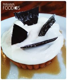 #PanamaFoodies •Tartaleta de manzana con chocolate • www.panamafoodies.com | #FOODIES #PANAMA #YUM #FoodPorn #Love #FoodieLove #Market