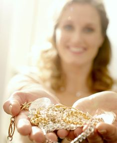 How to make your own jewellery cleaner