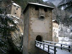 Festung Altfinstermünz #Pfunds #tiroleroberland Mount Rushmore, Mountains, Nature, Travel, Forts, Naturaleza, Viajes, Destinations, Traveling