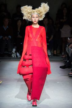 Comme des Garçons Spring 2015 Ready-to-Wear Collection Photos - Vogue