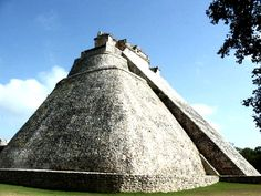 Pirámide del Adivino_Uxmal_Ruta Maya
