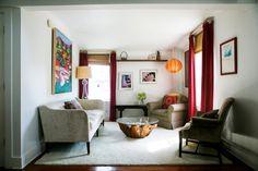 Ένα σπίτι με cottage decor Στην εξοχή.