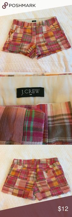 """SALE!!! J CREW PLAID SHORTS. Plaid shorts with front pockets, double hooks and zipper. Belt loops. Back pockets, one with button. Measurements laying flat. Waist: 15 1/4 (waist measurement should be doubled to correspond with actual measurement). Length: 10 1/4"""". Gently worn. J Crew Shorts"""