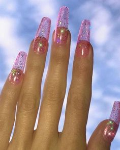 Unique acrylic nails for summer. #acrylicnailsforsummer #AcrylicNailsDesigns Pink Acrylic Nail Designs, Pink Acrylic Nails, Nail Pink, Pink Acrylics, Acrylic Spring Nails, Classy Acrylic Nails, Clear Glitter Nails, Glittery Nails, Glitter Jelly