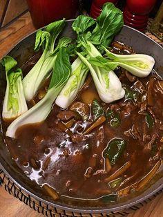 Biff med bambuskott i stark sås Snack Recipes, Dessert Recipes, Healthy Recipes, Snacks, Desserts, Eat To Live, Asian Recipes, Food Inspiration, Love Food