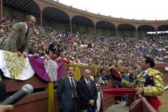 El Rey Juan Carlos I, el mejor defensor del toreo - http://www.elmundo.es/album/cultura/2014/06/02/538c87abca4741df2a8b4577_4.html