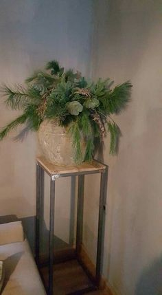 Cozy Christmas, Christmas Holidays, Christmas Crafts, Christmas Centerpieces, Xmas Decorations, Advent, Yule, Holidays And Events, Flower Arrangements