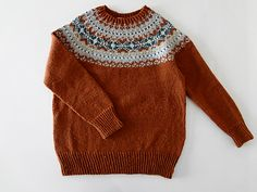 Ravelry: p.4 Fair Isle Yoke Sweater フェアアイルヨークのセーター pattern by Mariko Mikuni (三國 万里子)
