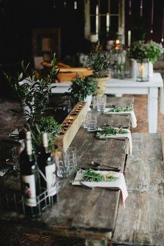 rustic table setting | Kristyn Hogan + Cedarwood Weddings