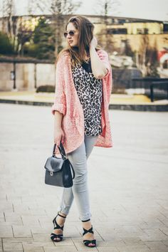Down the hill – Roxanna Luca Kimono Top, Blog, Tops, Women, Fashion, Moda, Fashion Styles, Blogging, Fashion Illustrations