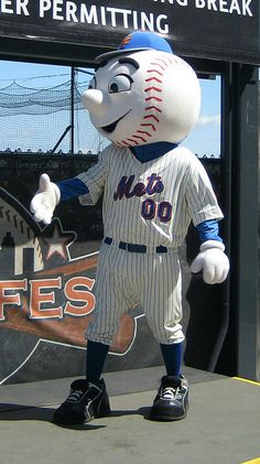 #Mr. Met -- Queens, NY     -   http://vacationtravelogue.com For Hotels-Flights Bookings Globally Save Up To 80% On Travel   - http://wp.me/p291tj-5f