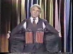 Steve Martin fills in for Johnny in 1978 in a rarely seen classic show with Burt Reynolds as guest. Glenn Martin, Steve Martin, Smothers Brothers, Northern Irish, Johnny Carson, Burt Reynolds, Tonight Show, American Actors, Comedians
