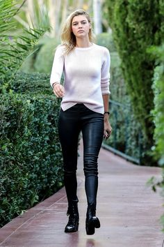Check out the latest celebritis high street fashion photos SI Swimsuit model Kelly Rohrbach in casual outfit at Beverly Hills Hottest Female Celebrities, Celebs, Kelly Rohrbach, Spring Outfits, Muse, Celebrity Style, Leather Pants, Casual Outfits, Street Style