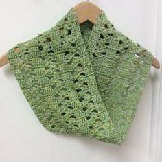 """Azalea Offset Shell Cowl - free crochet pattern by Darlene Joyce. Dk yarn, 8"""" wide x 34"""" circumference."""