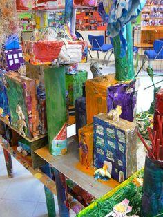 Maquette de ville réalisée avec les enfants  de CP de l'école Louis Armand à Villeurbanne.