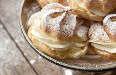 Puffs Cannoli Filled Cream Puffs - easy and delicious treats. Classic cream puff shells filled with cannoli filling.Cannoli Filled Cream Puffs - easy and delicious treats. Classic cream puff shells filled with cannoli filling. Cannoli Filling, Cannoli Cream, Just Desserts, Delicious Desserts, Dessert Recipes, Yummy Food, Italian Desserts, Pastries Recipes, Dessert Healthy