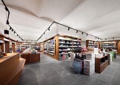 Vom alten Postamt zum schicken Ladenlokal: Der Kärntner Wein- und Kulinarikfachhändler Sussitz erbaute sich eine Wiener Filiale beim Karmelitermarkt.