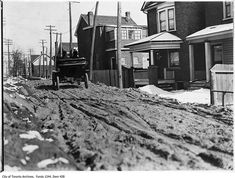 What Davenport Road used to look like in Toronto Queen Street Toronto, Toronto City, Royal Arch Masons, Yonge Street, Canadian Things, Toronto Ontario Canada, Holt Renfrew, Canadian History, University Of Toronto