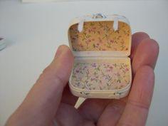 Miniaturas para casa de muñecas maleta por Cantimpalominiaturas