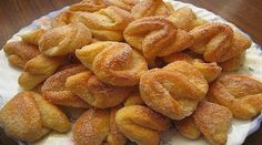 Cookies with melted cheese Lithuanian Recipes, Hungarian Recipes, Russian Recipes, Turkish Recipes, Sweets Recipes, Snack Recipes, Cooking Recipes, Biscotti Cookies, Yummy Cookies